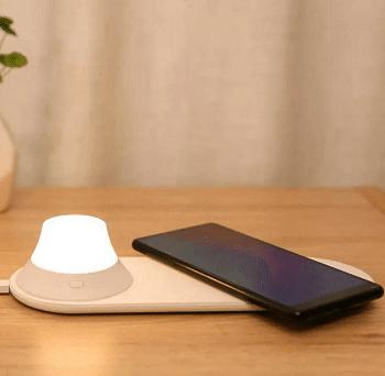 Xiaomi Yeelight carregador sem fios com luz de presença por 14,4€
