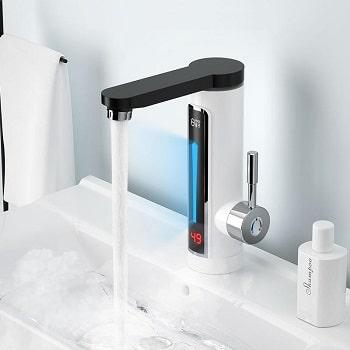 Torneira com display e aquecimento de água instantânea